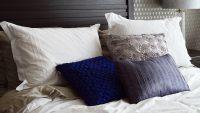 Colori cuscini arredo: quali tonalità è bene preferire