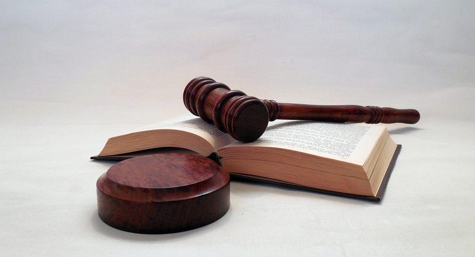 Ritardo Ryanair: giudice condanna la compagnia