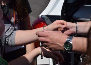 Inquinamento prove donna Prato: ecco perché è stata arrestata