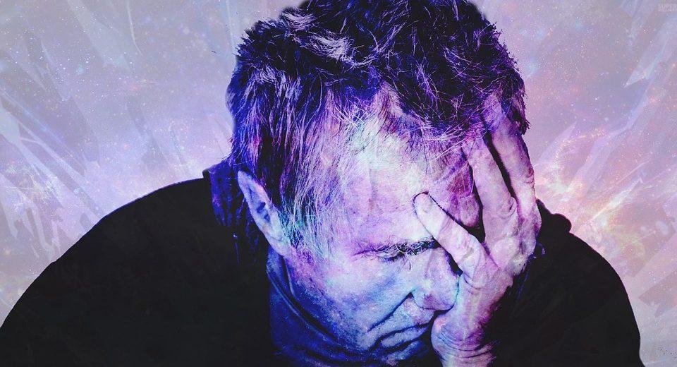 Mal di testa si può combattere: basta perdere peso