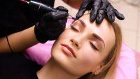 Le sopracciglia tatuate: la moda degli ultimi anni