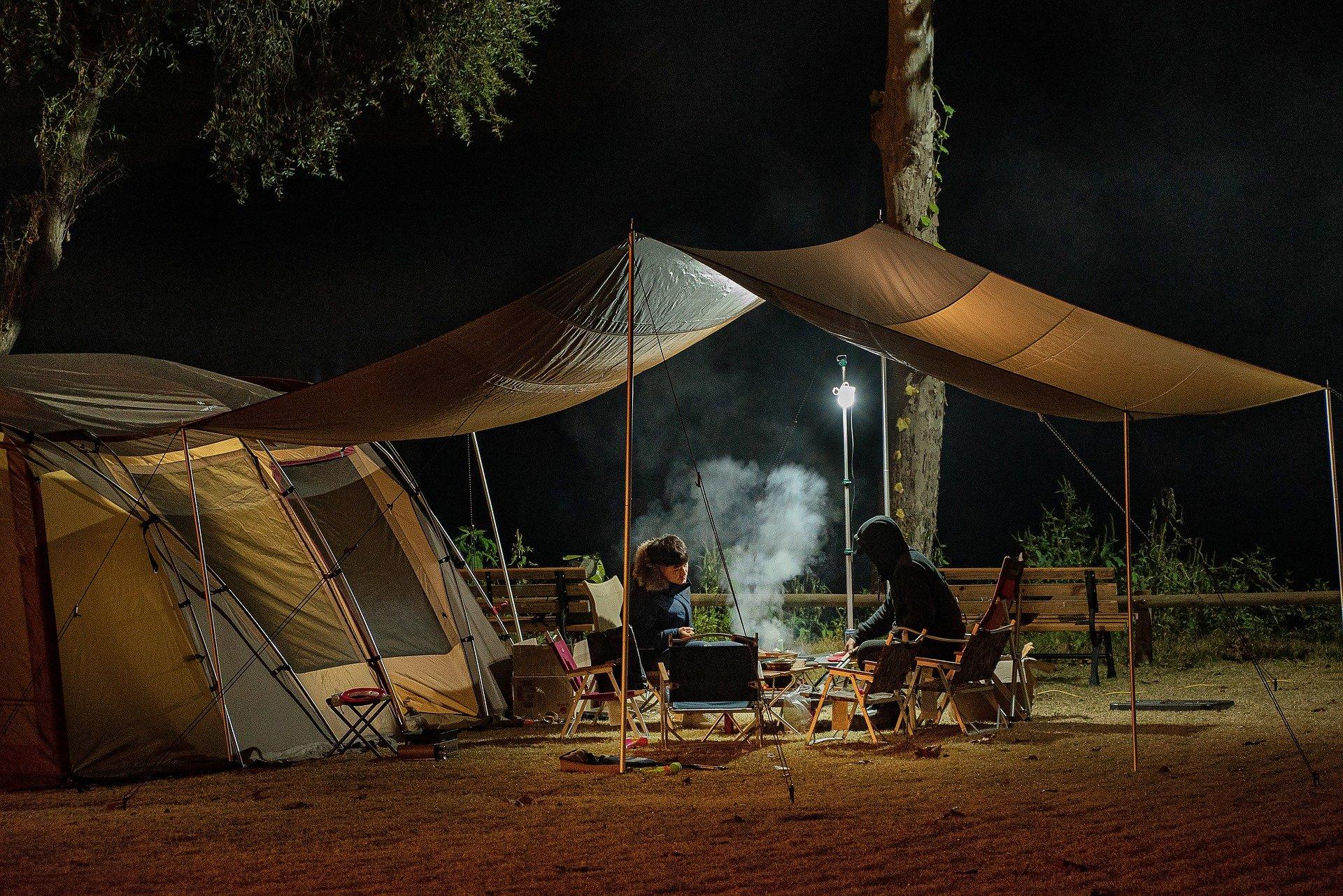 Dormire in tenda: ecco i consigli per il campeggio migliore!